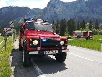 KRFS Feuerwehr Fahrzeug vor der Ortstafel Greith